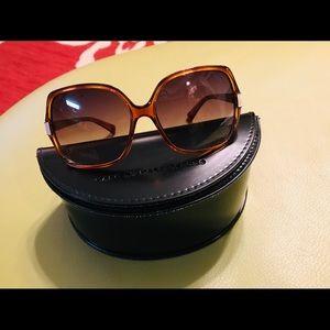 GUC Marc Jacobs sunglasses & case
